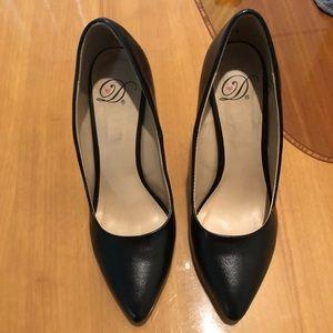 Black point toe heels